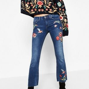 ZARA EMBROIDERED FLORAL CROPPED FLARE JEANS